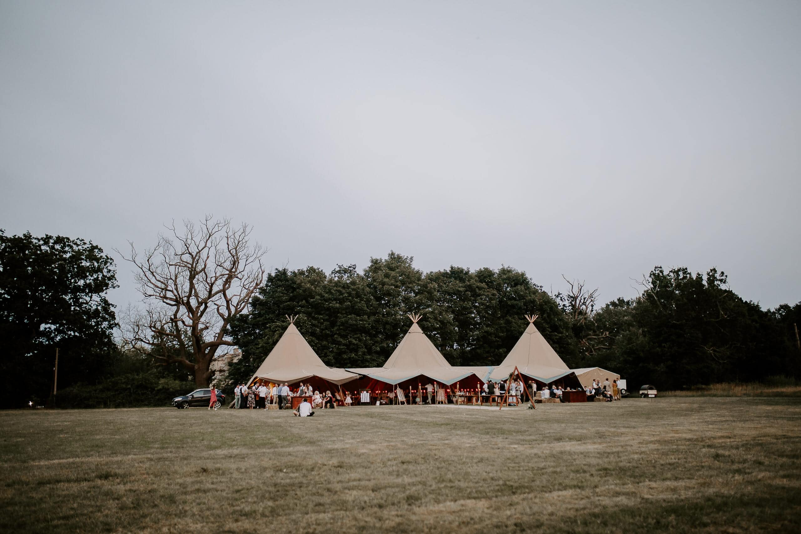 tipi wedding at glevering estate suffolk